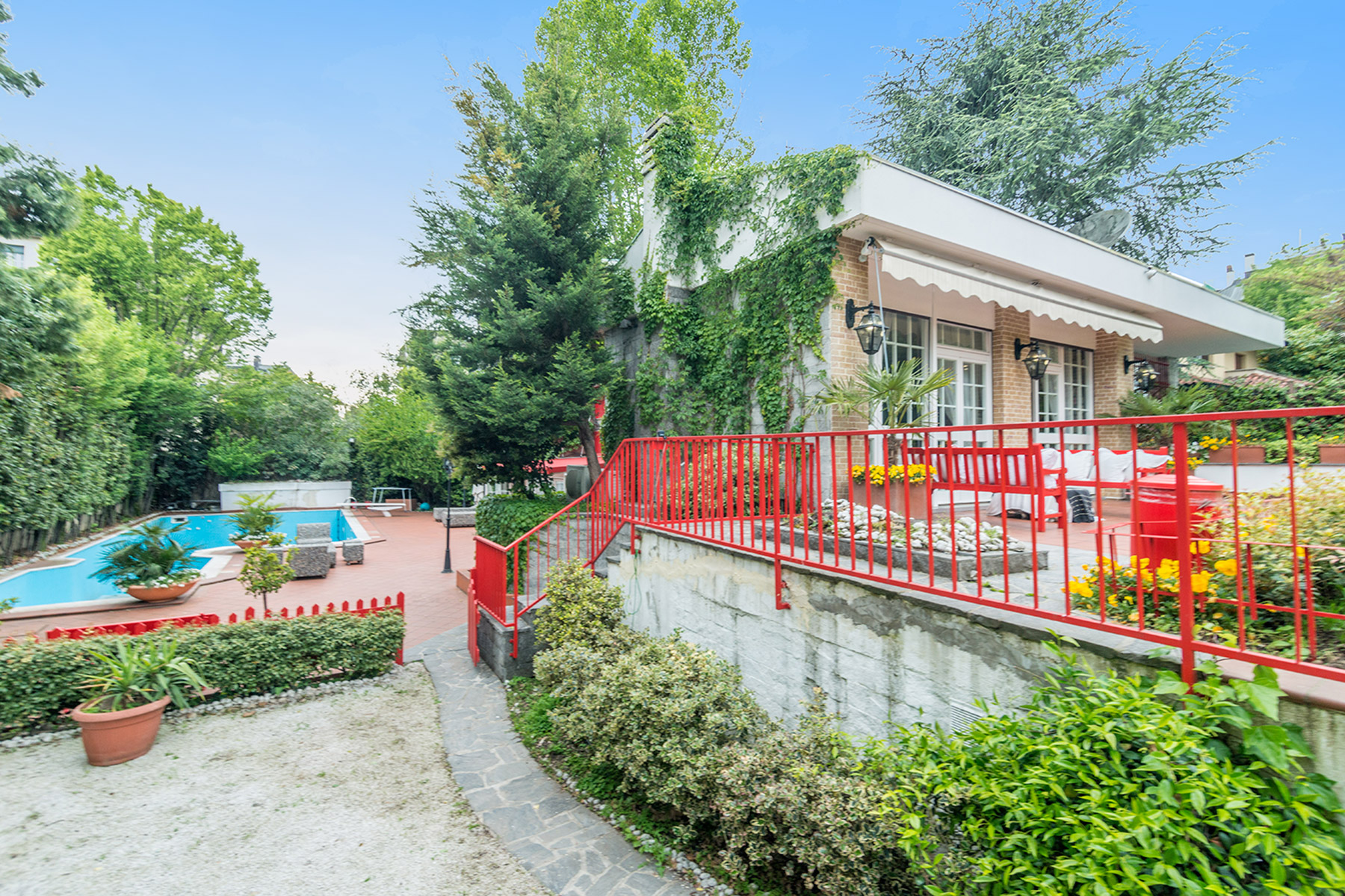 Single Family Home for Rent at refined villa with private garden and swimmingpool via Palatino Milano, 20100 Italy