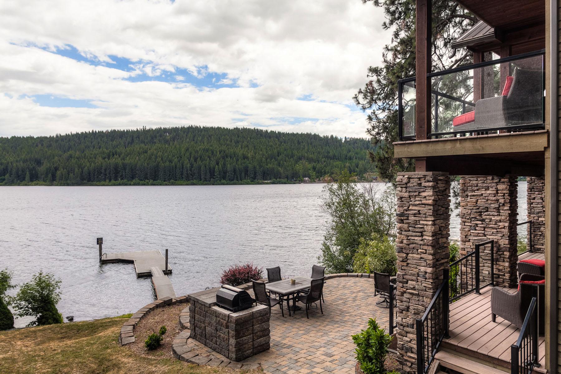 Maison unifamiliale pour l Vente à Lake CDA Getaway 20940 S Four Echoes Rd Worley, Idaho, 83876 États-Unis