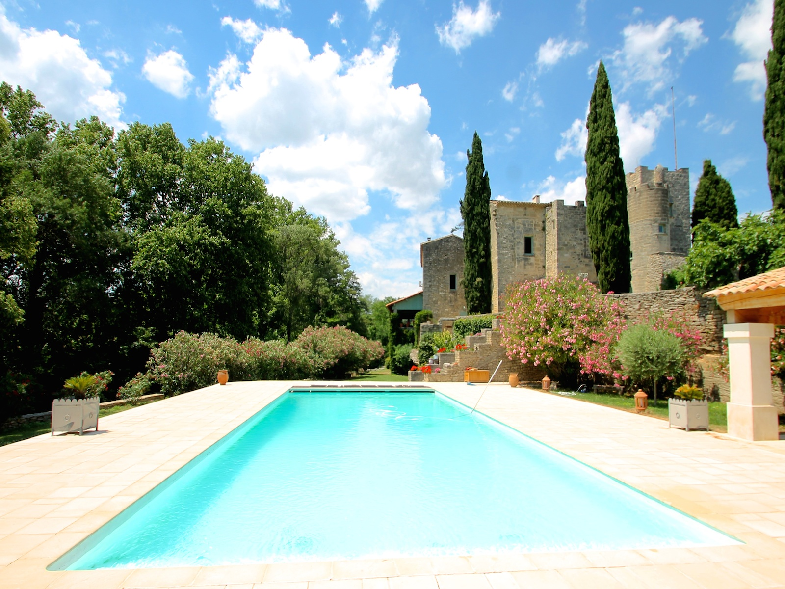 Multi-Family Home for Sale at UZES VUE SUR LE DUCHÉ : DEMEURE HISTORIQUE Uzes, Languedoc-Roussillon 30700 France