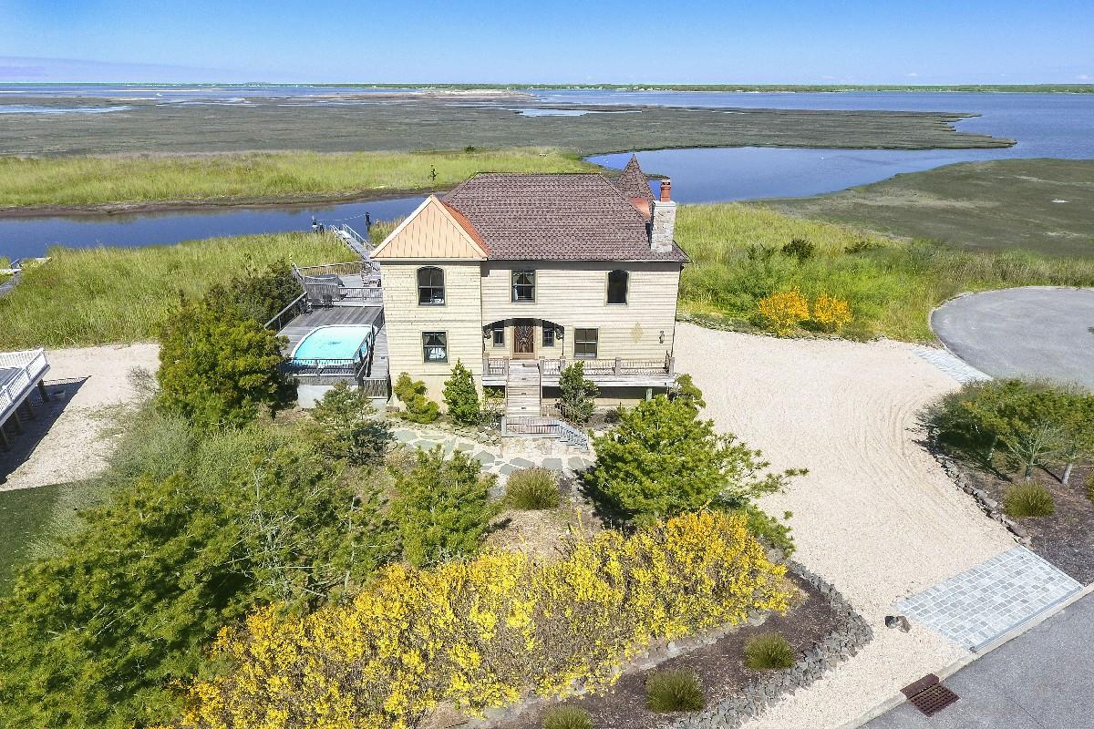 sales property at Panoramic Bay Views