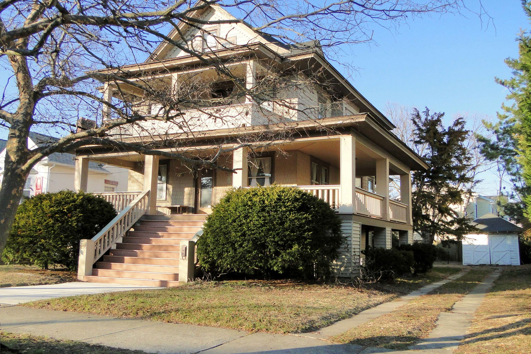獨棟家庭住宅 為 出售 在 Beautiful Vintage Home 144 E. Atlantic Boulevard Ocean City, 新澤西州 08226 美國
