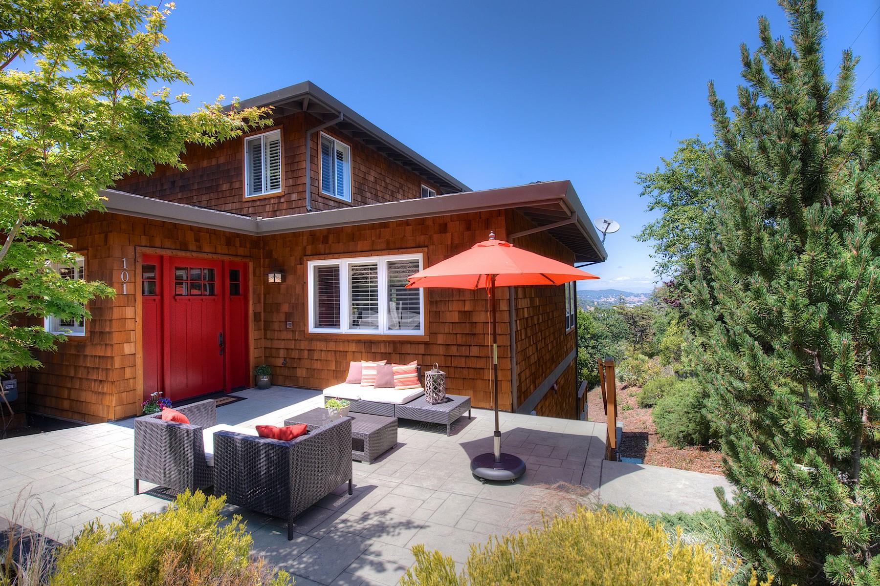 단독 가정 주택 용 매매 에 Striking Home with Exceptional Views 101 Chula Vista San Rafael, 캘리포니아 94901 미국