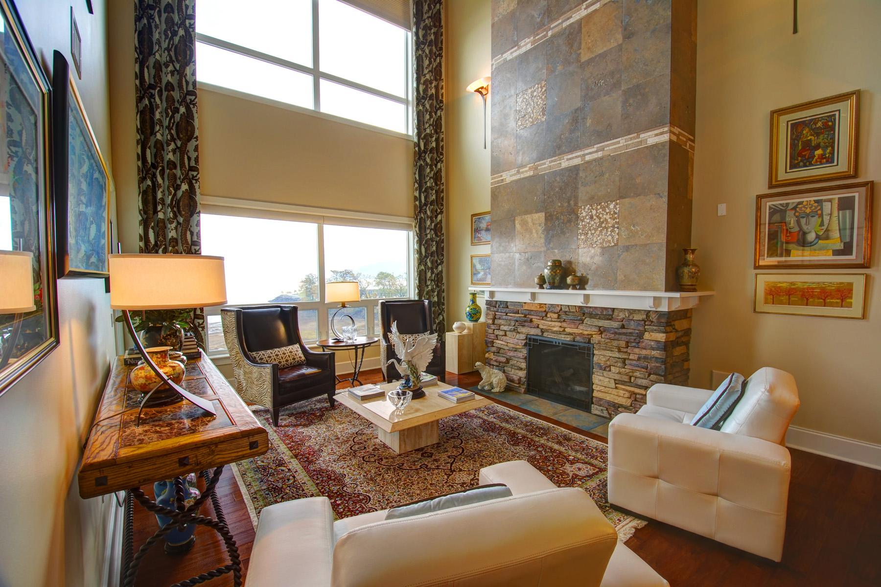 Condominium for Sale at Elegant Lake Pend Oreille Penthouse Loft 402 Sandpoint Ave #323 Sandpoint, Idaho 83864 United States