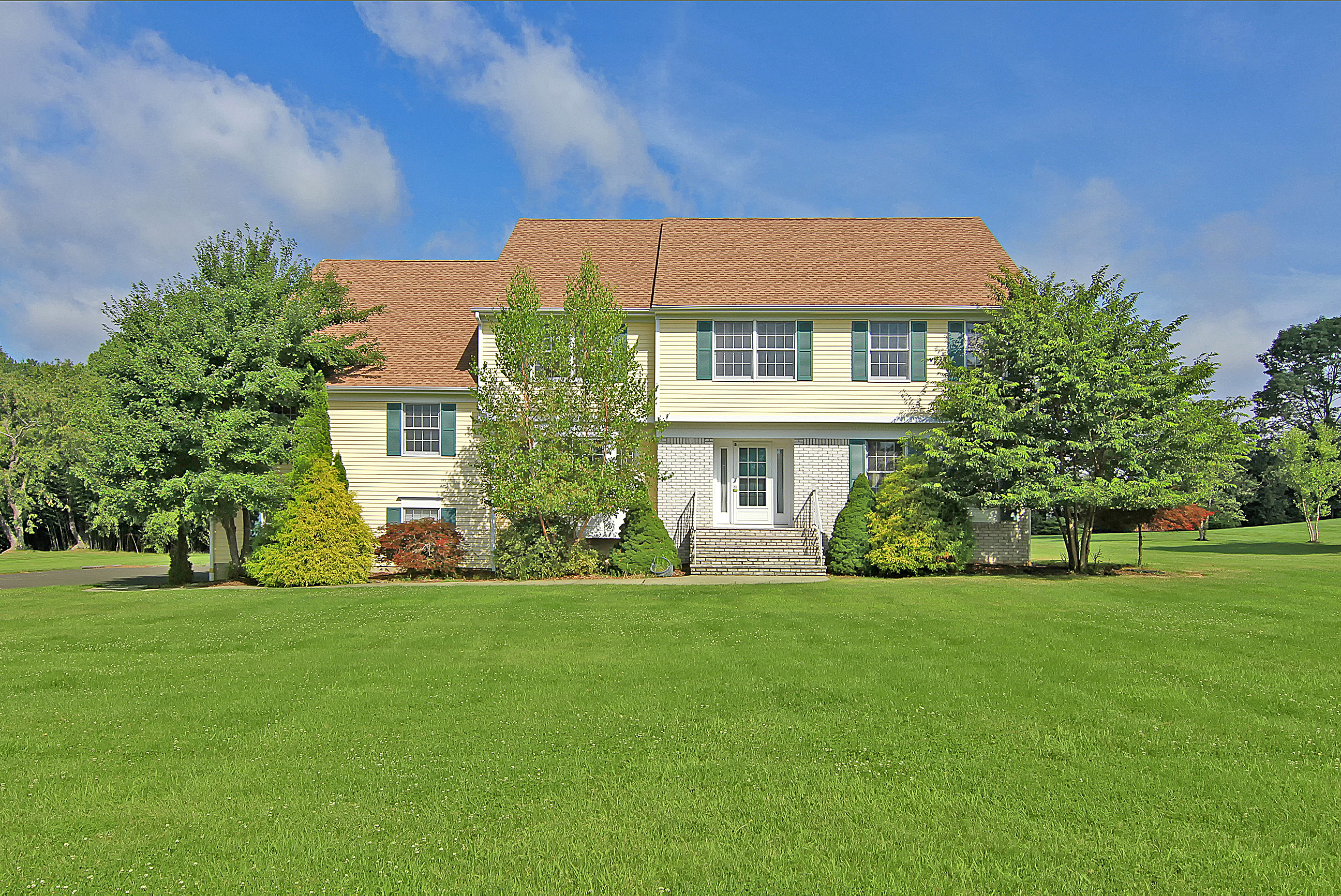 Single Family Home for Sale at Magnificent Colonial 8 Argonne Farm Drive Bridgewater, 08807 United States