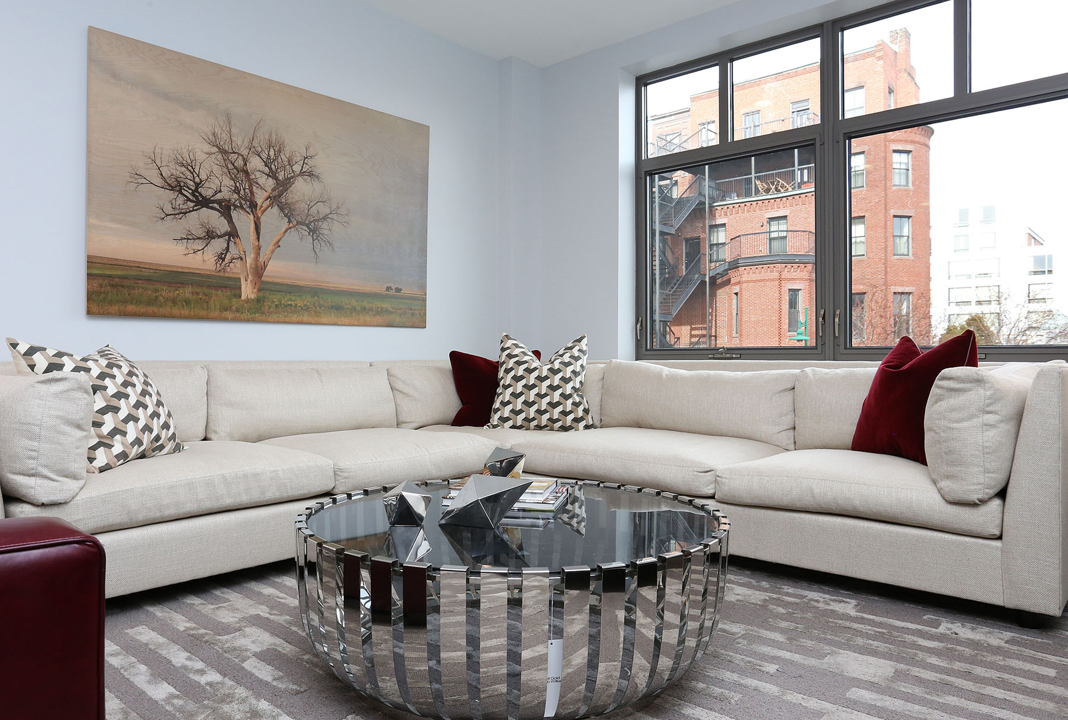Частный односемейный дом для того Продажа на 150 Dorchester 150 Dorchester Ave 510 Boston, Массачусетс, 02127 Соединенные Штаты
