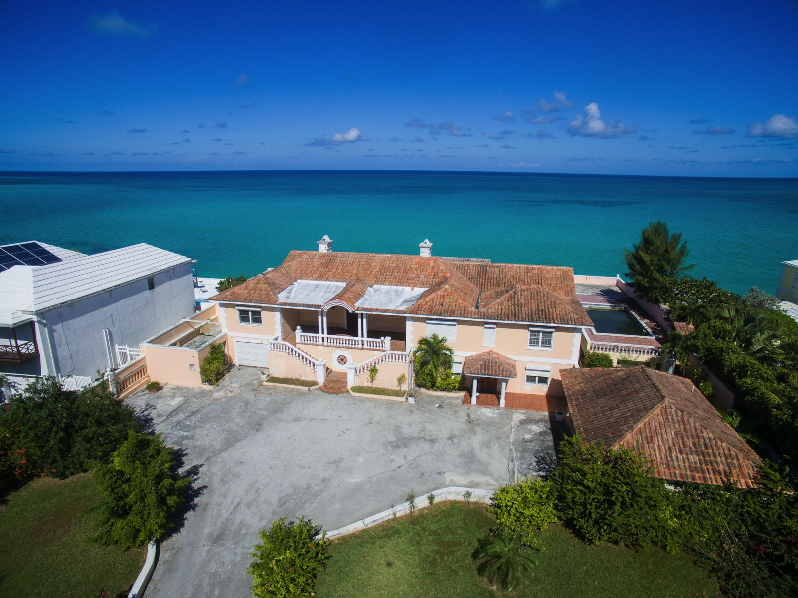 Additional photo for property listing at Oceanfront Property on West Bay Street Cable Beach, New Providence/Nassau Bahamas