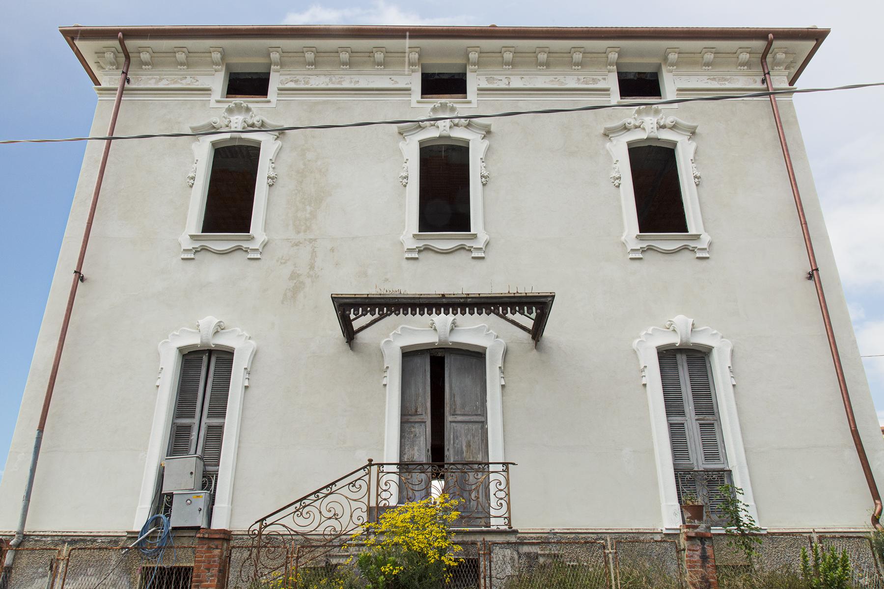 Additional photo for property listing at Liberty style Villa in Sanremo Corso degli Inglesi Sanremo, Imperia 18038 Italie