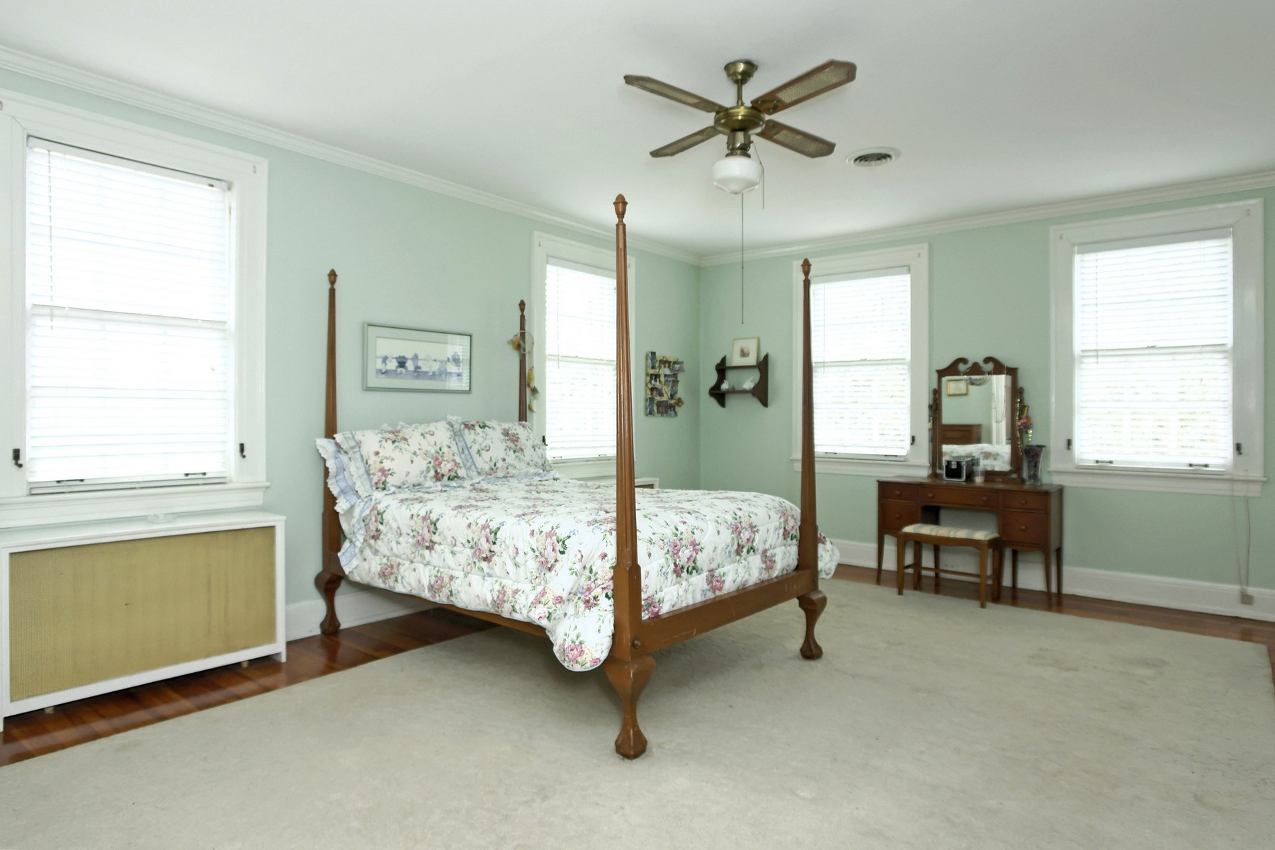 Additional photo for property listing at Historic Downtown 204 Church St Warrenton, North Carolina 27589 United States