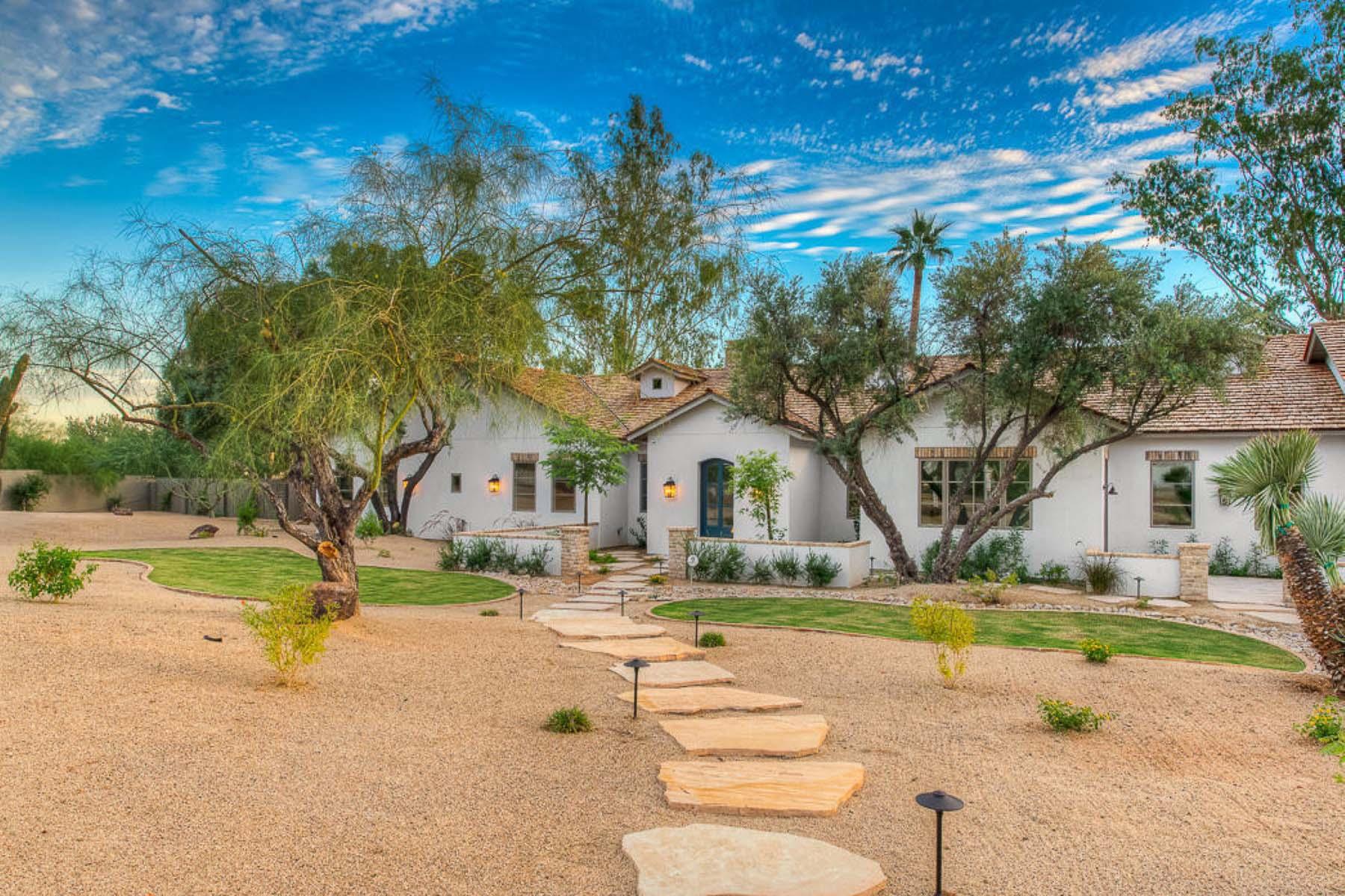 Casa Unifamiliar por un Venta en A stunning new build by Two Hawks Designs. 3233 E SAN MIGUEL PL Paradise Valley, Arizona 85253 Estados Unidos