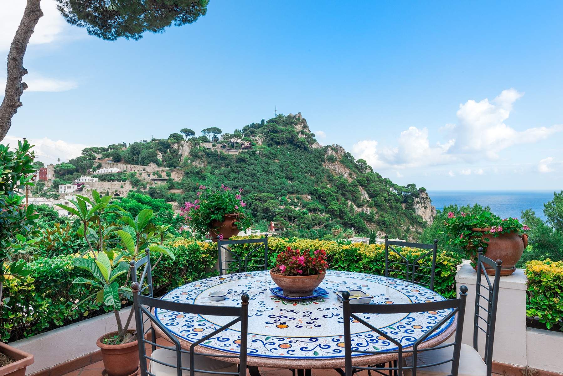 Einfamilienhaus für Verkauf beim Beautiful villa just steps from the center of Capri Capri, Naples Italien