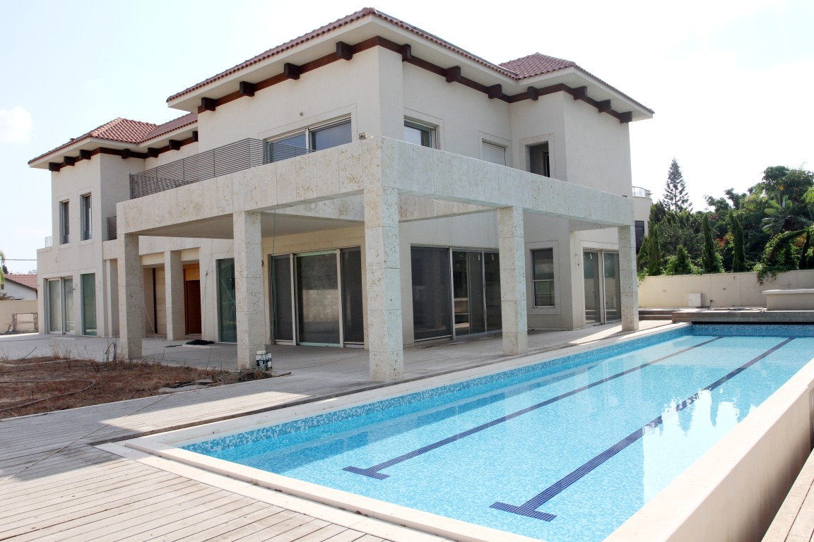 sales property at Extreme Villa in Givatyim