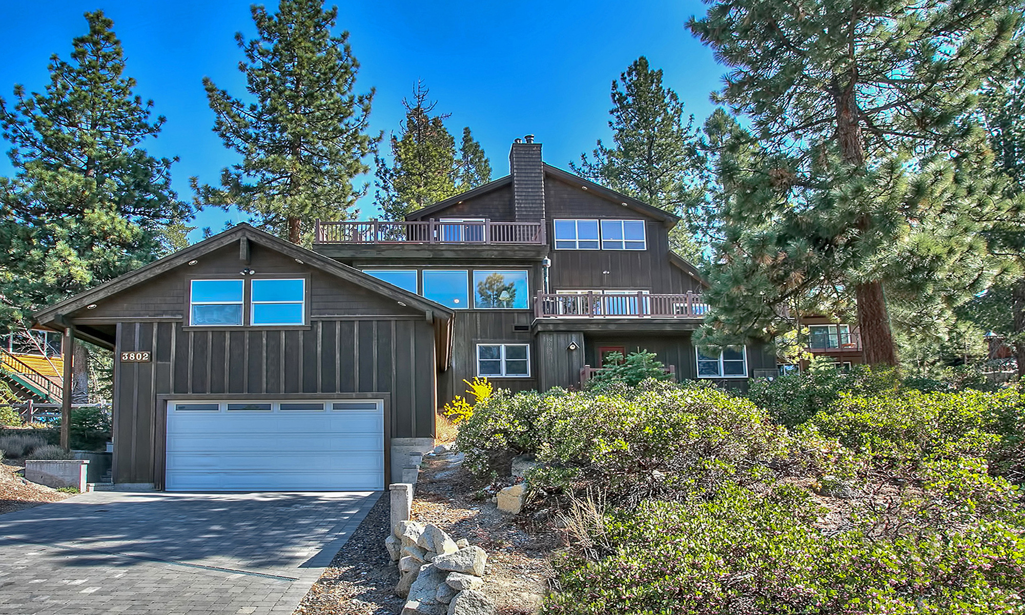 Single Family Home for Sale at 3802 Lucinda Court South Lake Tahoe, California, 96150 Lake Tahoe, United States