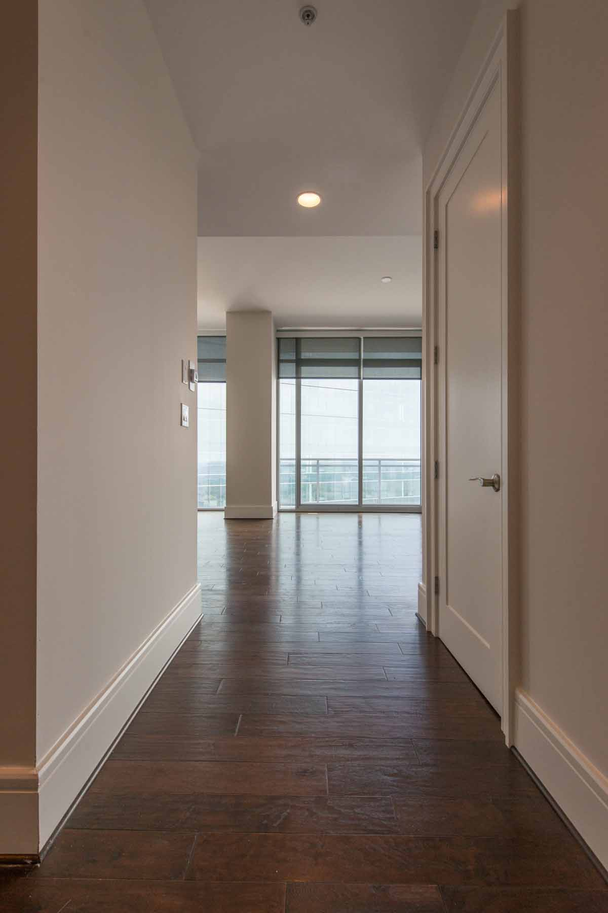 Appartement en copropriété pour l Vente à LUXURY OFFERING ABOVE THE LOEWS ATLANTA HOTEL 1065 Peachtree Street NE No. 2801 Atlanta, Georgia, 30309 États-Unis