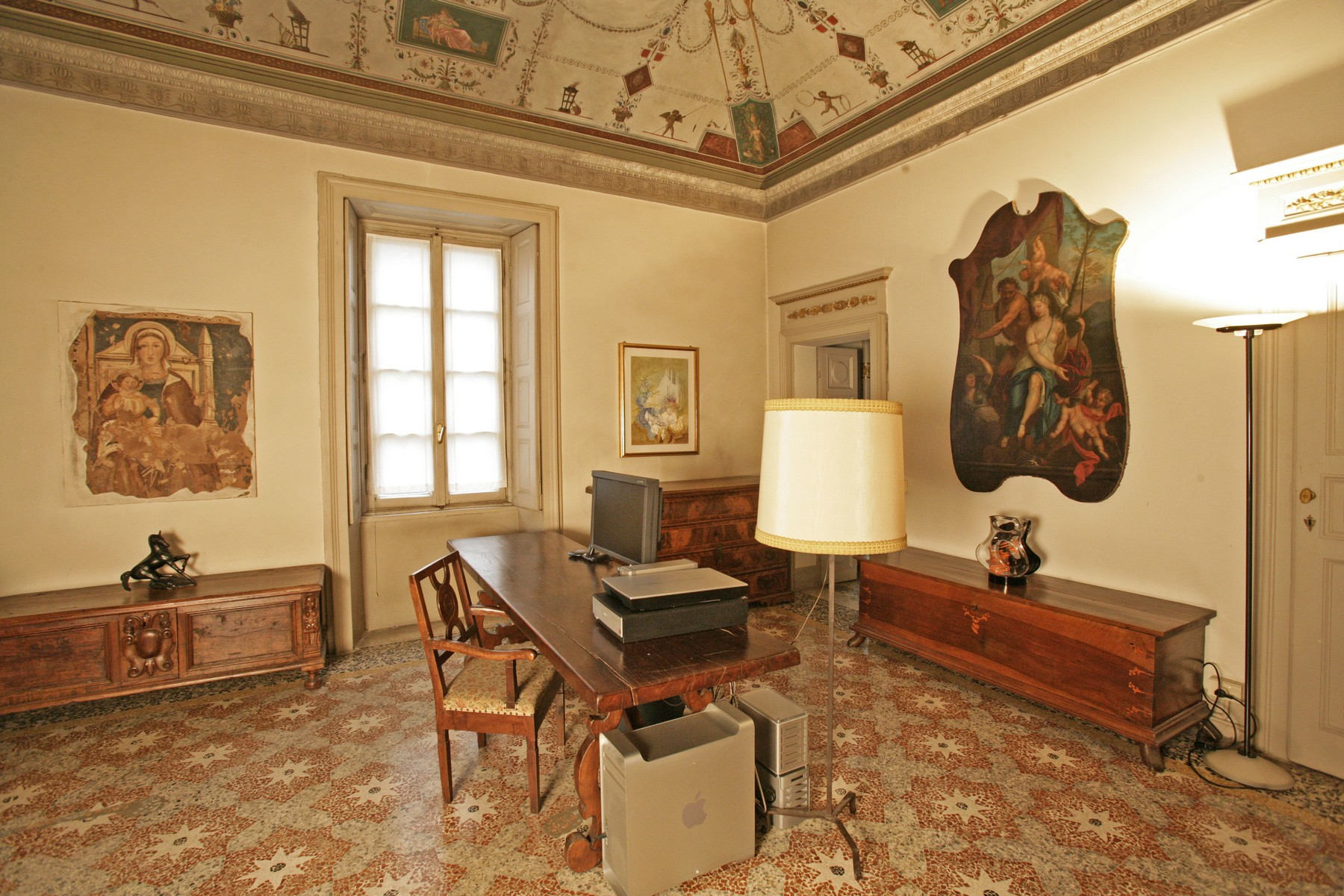 Additional photo for property listing at Prestigious office in Como city center Via Diaz Como, Como 22100 Italia