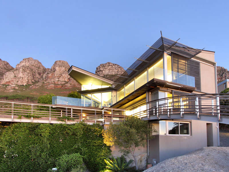 Maison unifamiliale pour l Vente à Contemporary Masterpiece! 79 Theresa Avenue Camps Bay Cape Town, Cap-Occidental, 8005 Afrique Du Sud