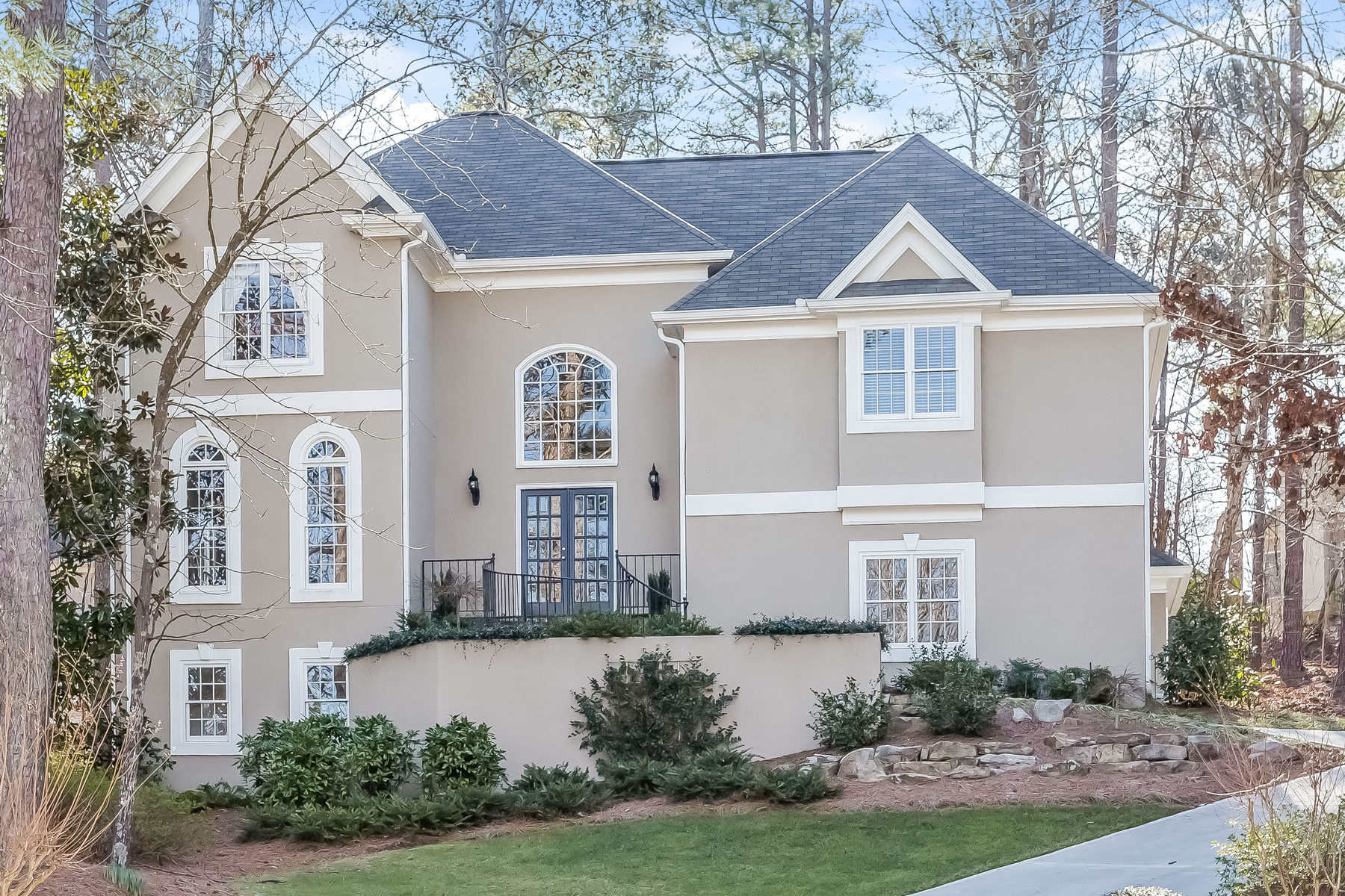 Single Family Home for Active at Entertainer's Delight 796 Asheview Court Marietta, Georgia 30068 United States