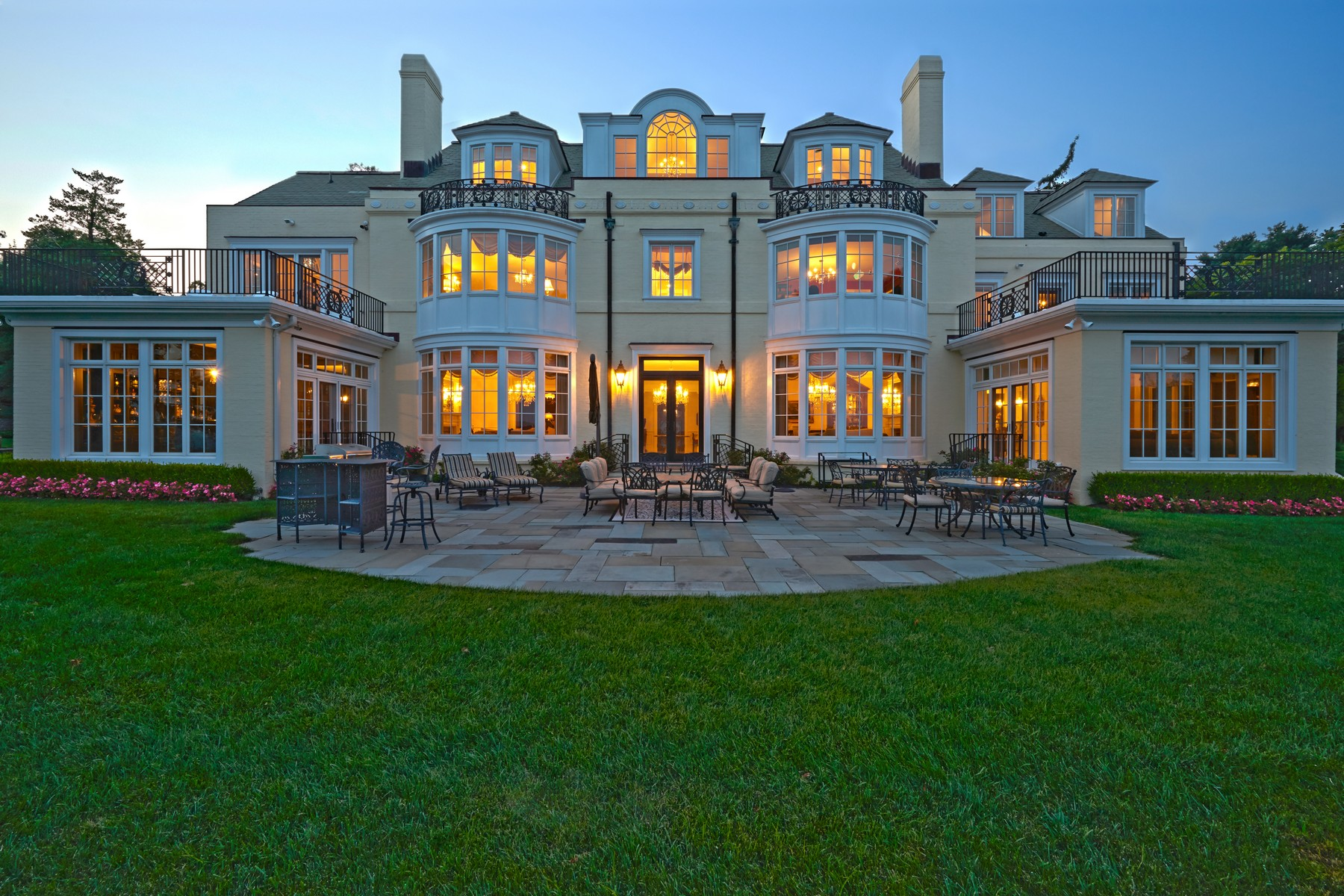 Single Family Home for Sale at Holly House Estate 536 Navesink River Rd Middletown, New Jersey 07748 United States