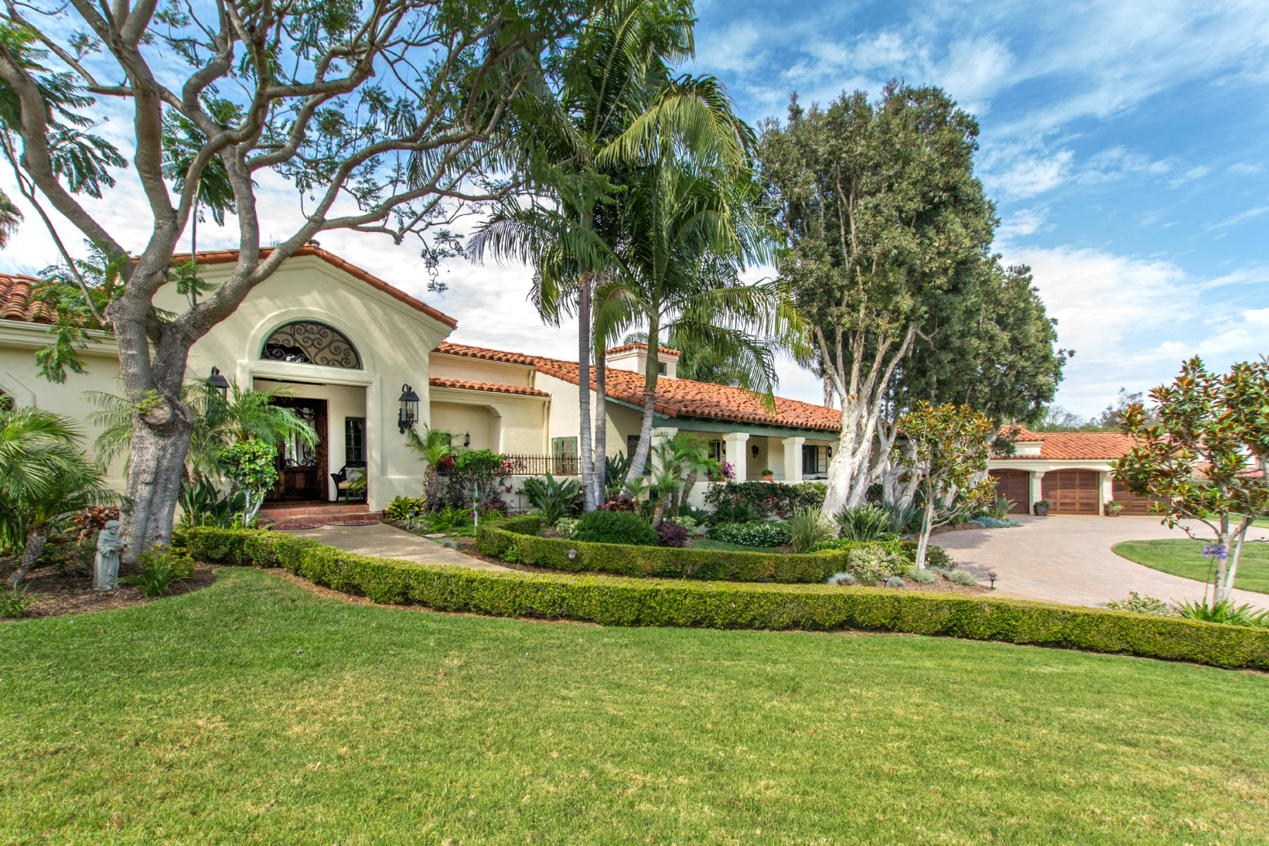 Single Family Home for Sale at 16896 Via Los Farolitos Rancho Santa Fe, California 92067 United States
