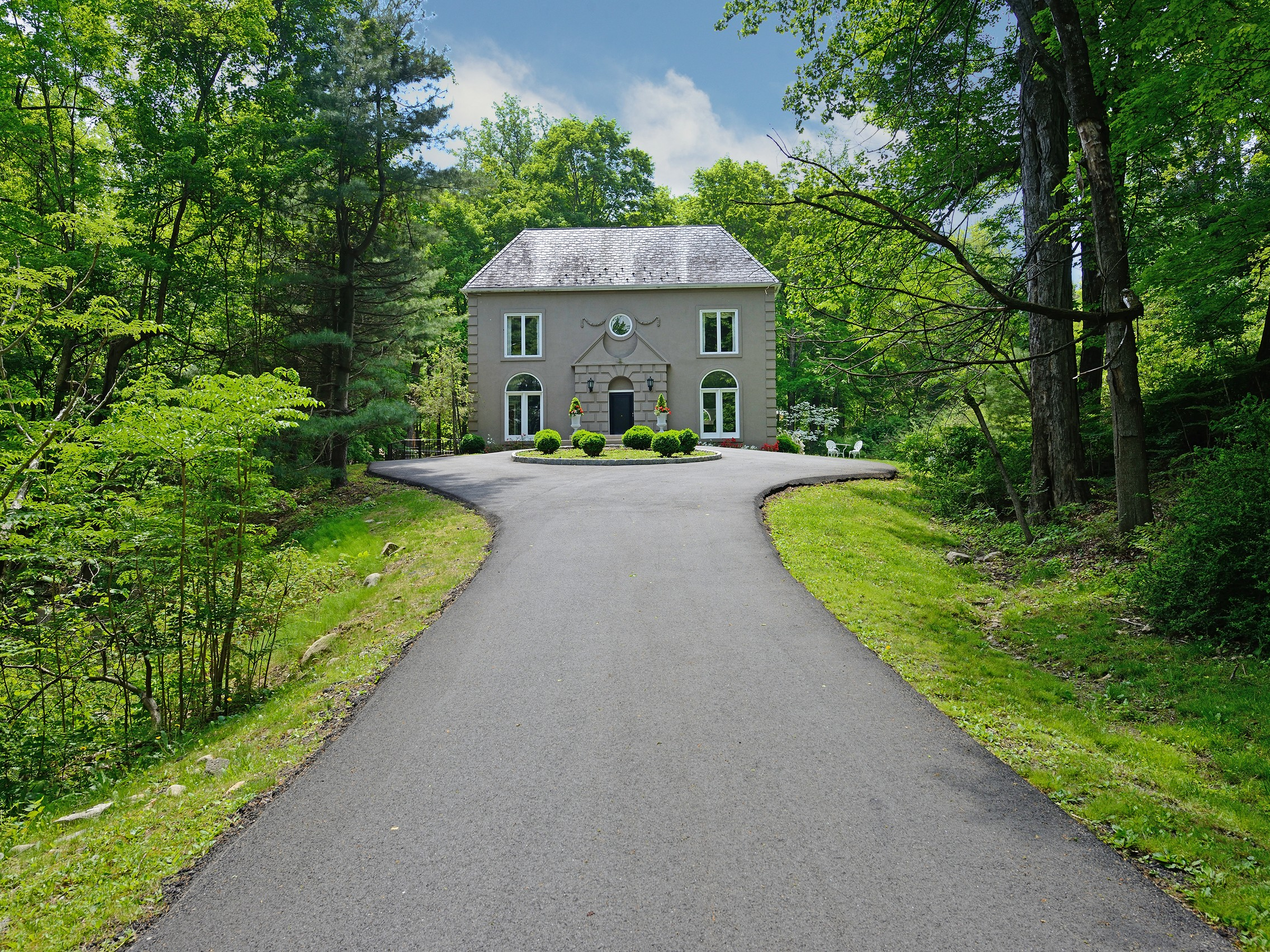 Maison unifamiliale pour l Vente à Into the Woods 27 Pepperidge Road Tuxedo Park, New York, 10987 États-Unis