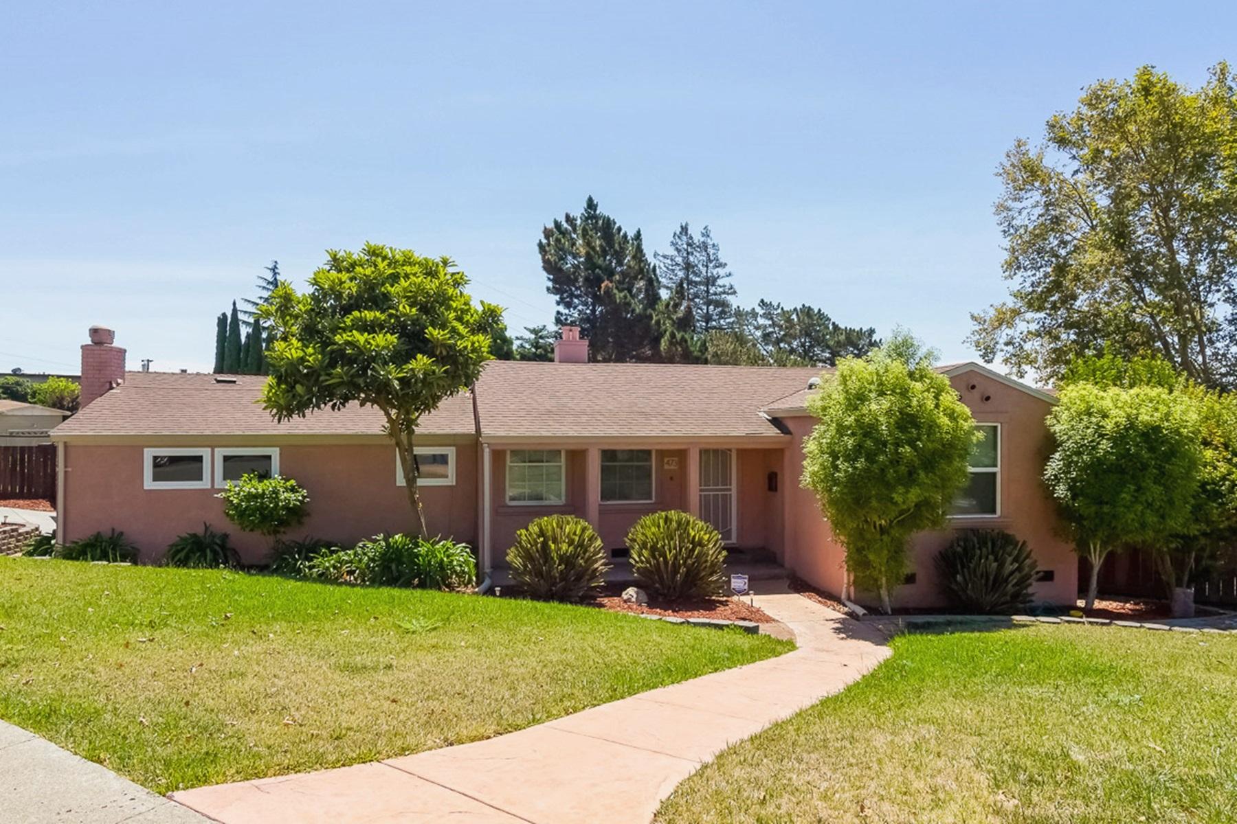 Casa para uma família para Venda às Amazing Ranch Home 473 Moorland Street Vallejo, Califórnia 94589 Estados Unidos