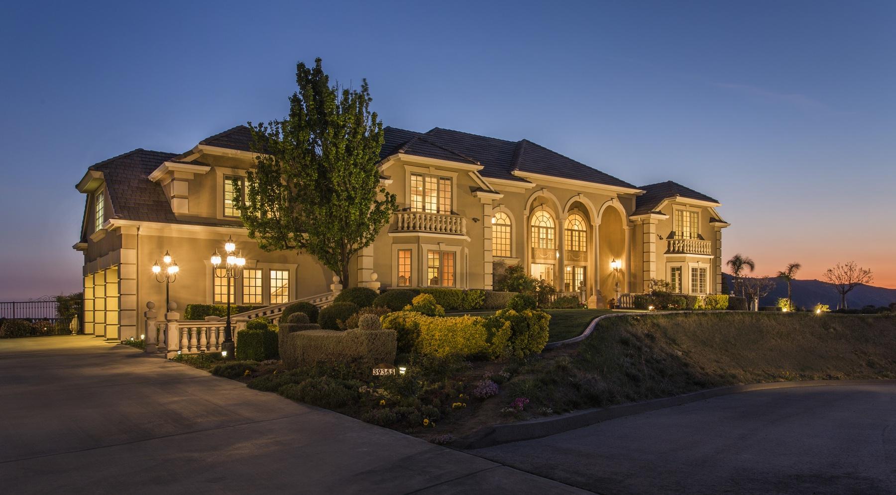 Villa per Vendita alle ore 39355 Hidden Heights Yucaipa, California, 92399 Stati Uniti