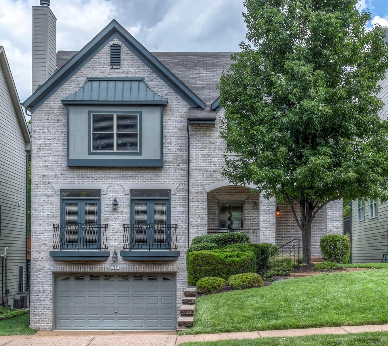 Casa Unifamiliar por un Venta en Forsyth Blvd 7245 Forsyth Blvd University City, Missouri 63105 Estados Unidos