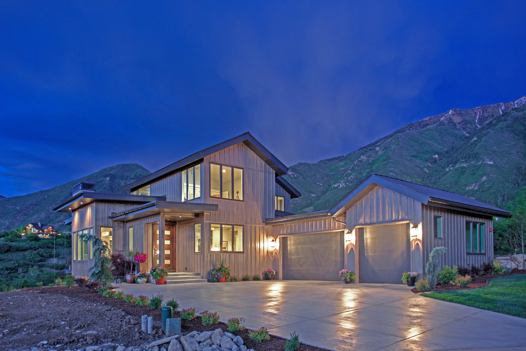 Vivienda unifamiliar por un Venta en The Jasmine at Summit Creek 812 S Nebo Cir Woodland Hills, Utah 84653 Estados Unidos