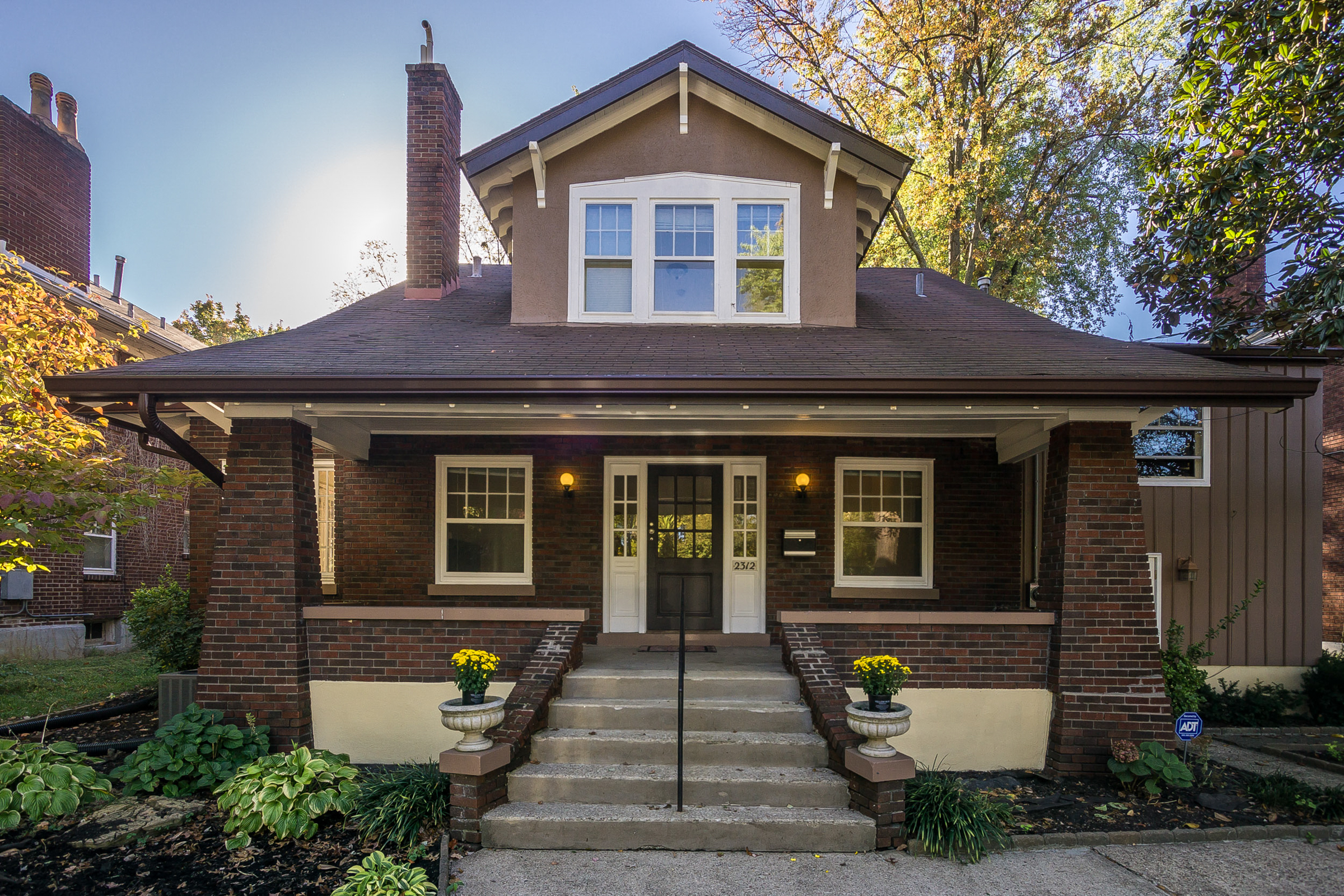rentals property at 2312 Glenmary Avenue