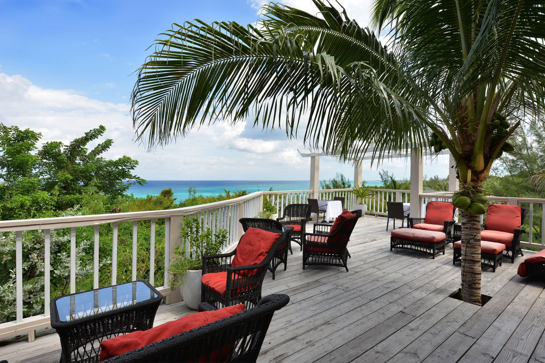 Additional photo for property listing at B&B Western Area of New Providence A Stone's Throw Away Western Area West Bay Street, Nueva Providencia / Nassau 0 Bahamas