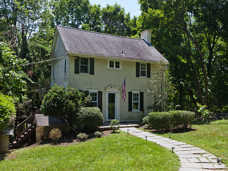 Single Family Home for Sale at Doylestown, PA 2878 Burnt House Hill Rd Doylestown, Pennsylvania 18902 United States