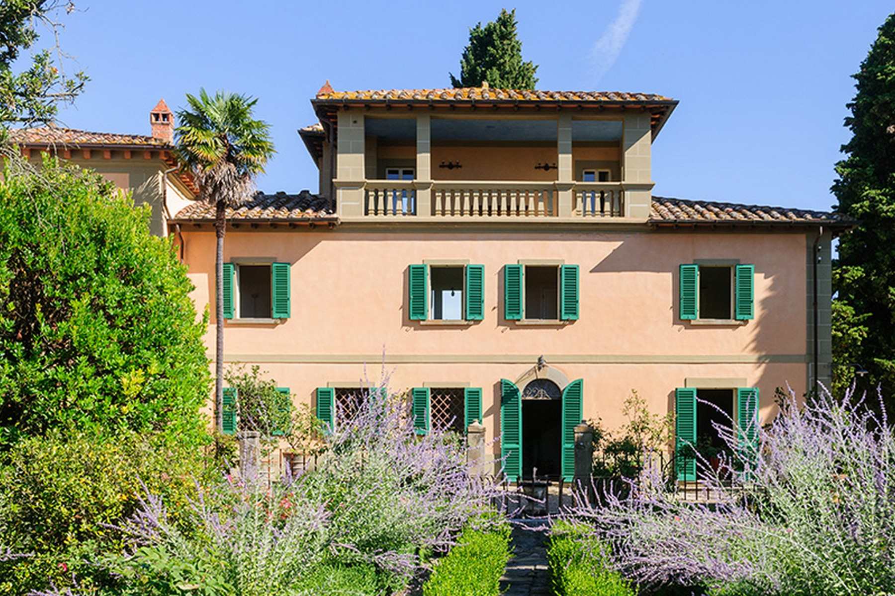 Single Family Home for Sale at Splendid villa between Siena and Arezzo Monte San Savino Arezzo, Arezzo 52048 Italy