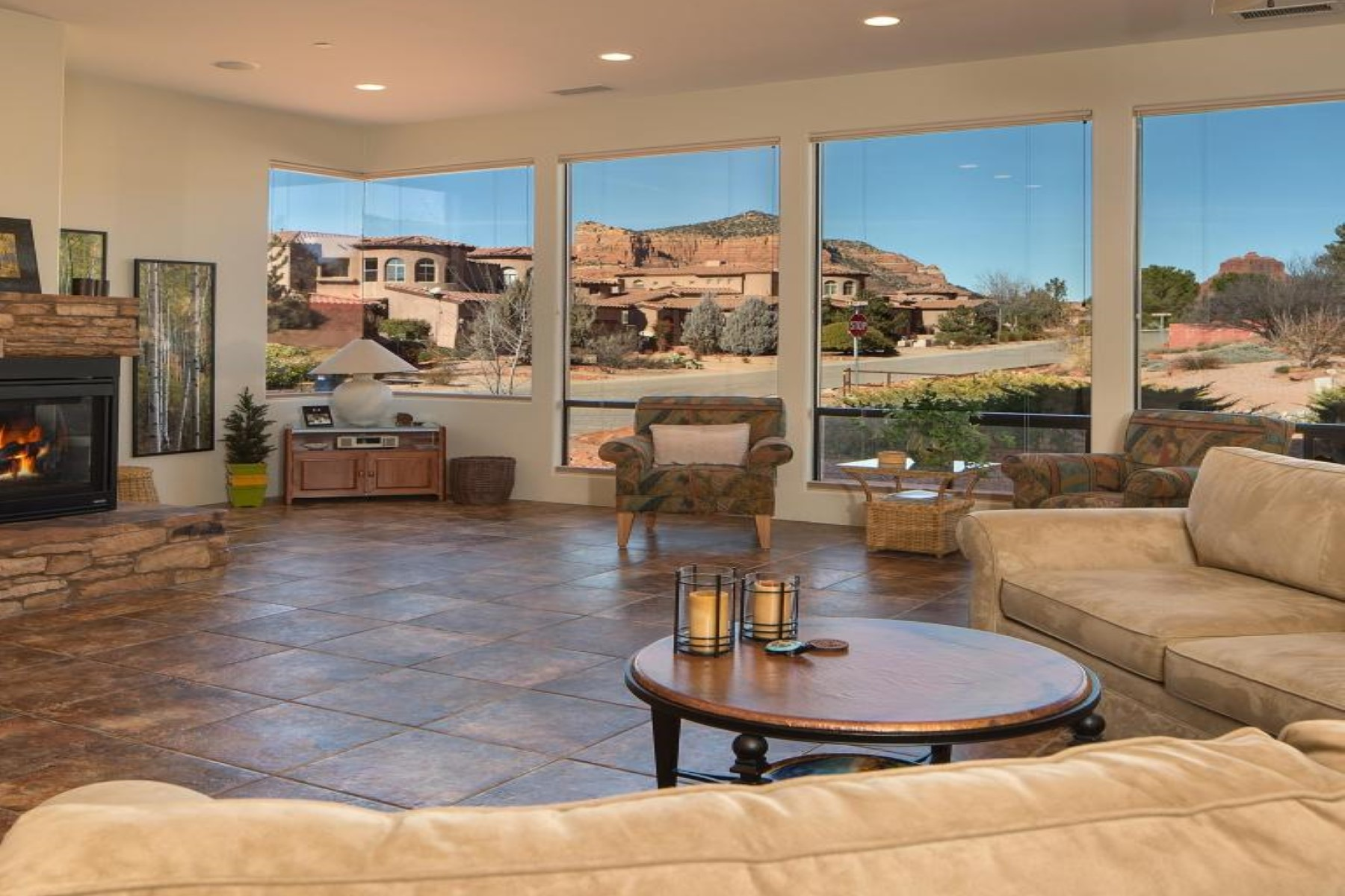 Vivienda unifamiliar por un Venta en Custom Southwest designed residence in prestigious Village Oak Creek 5 La Cuerda Sedona, Arizona, 86351 Estados Unidos