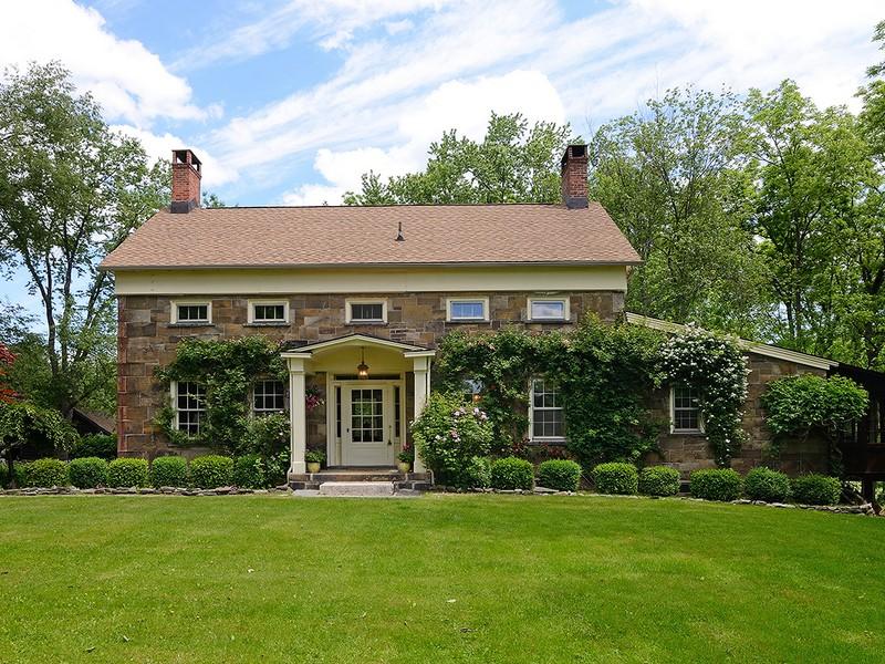 Casa Unifamiliar por un Venta en Rose Cottage Farm 556 Union School Road Middletown, Nueva York 10941 Estados Unidos