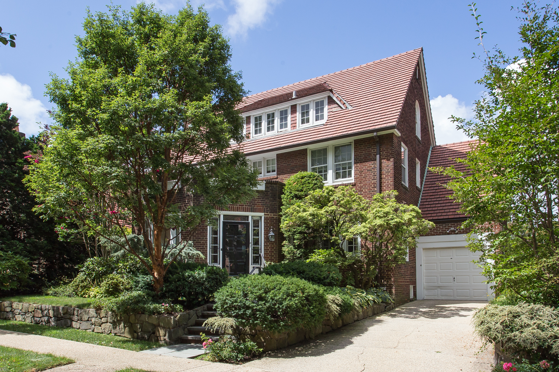 "Single Family Home for Sale at ""REFRESHINGLY LUMINOUS & STATELY COLONIAL"" 41 Shorthill Road, Forest Hills Gardens, Forest Hills, New York 11375 United States"