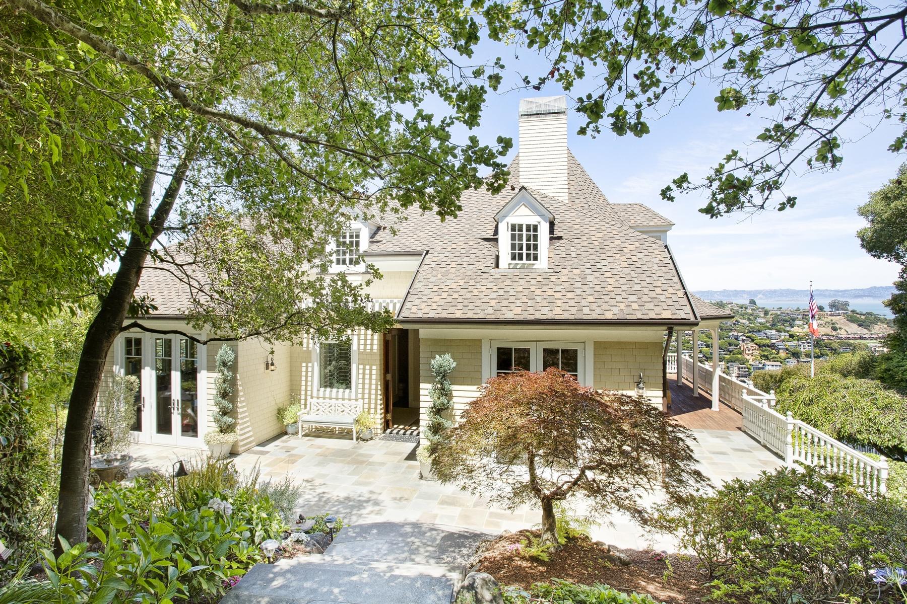 Villa per Vendita alle ore Exquisite Victorian 160 Madrona Ave Belvedere, California 94920 Stati Uniti