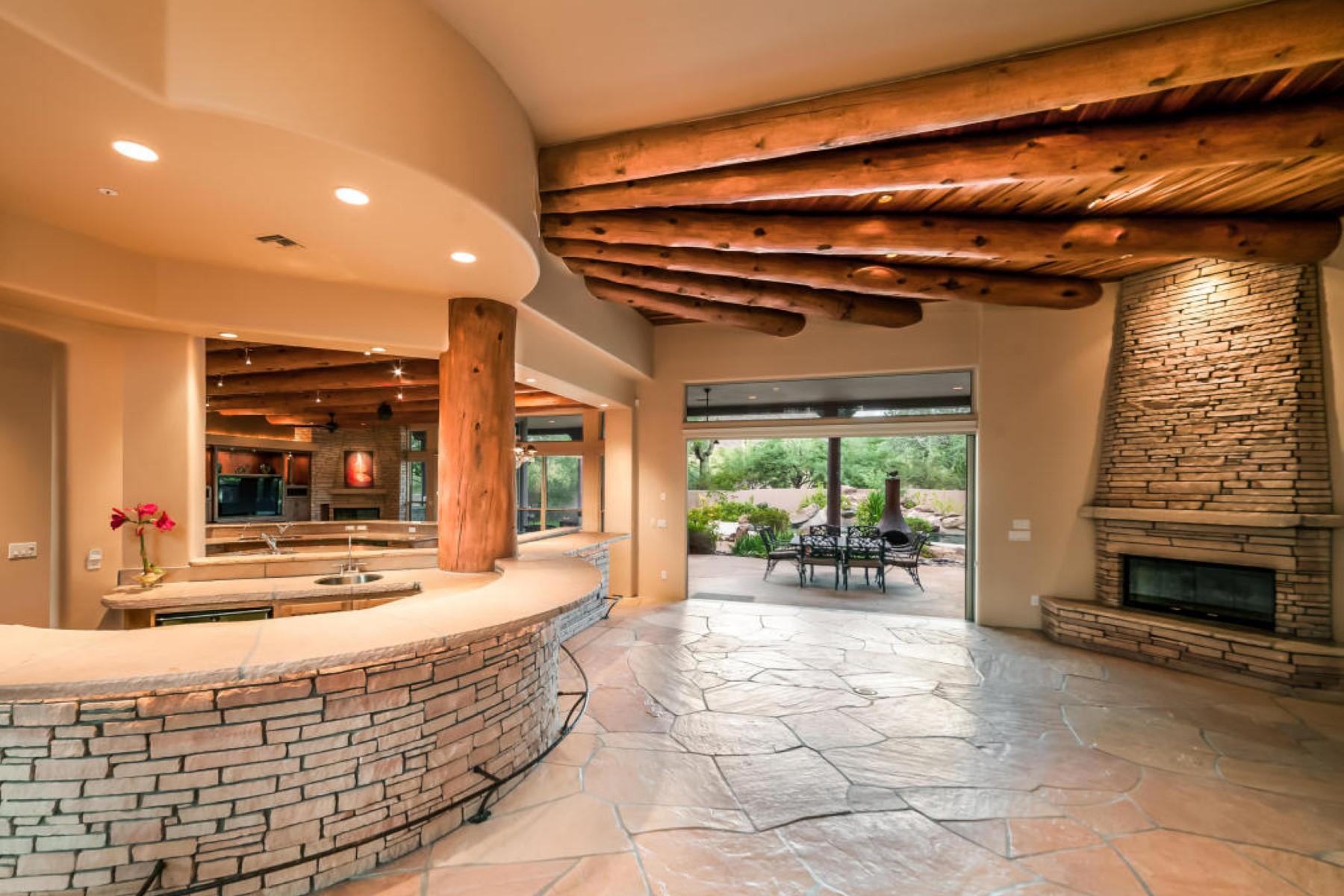 Casa para uma família para Venda às Coveted North Scottsdale gated community of Desert Skyline Estates 25275 N 92nd ST Scottsdale, Arizona 85255 Estados Unidos