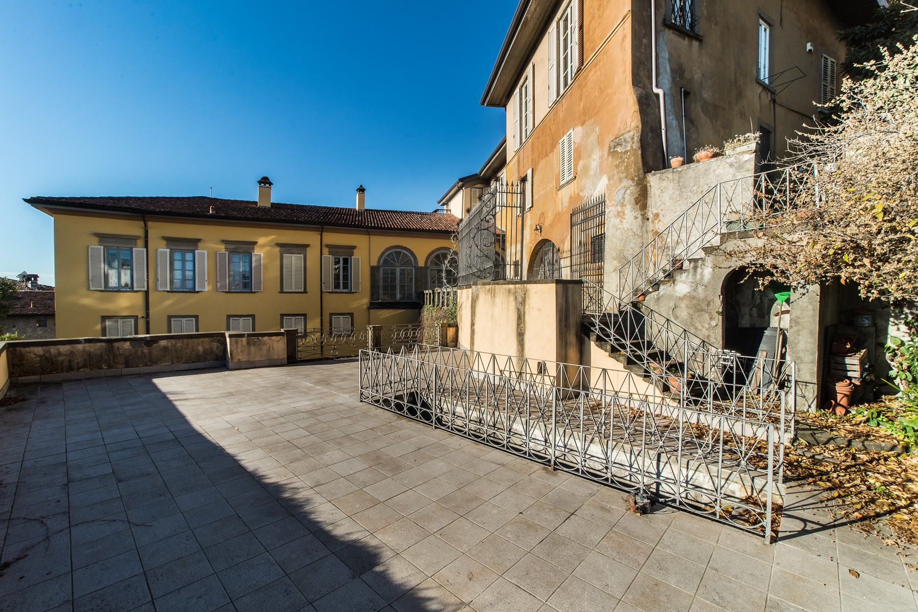 "Additional photo for property listing at Historic stately home on the ancient walls of ""Bergamo alta"" Via Simone Mayr Bergamo, Bergamo 24129 Italien"