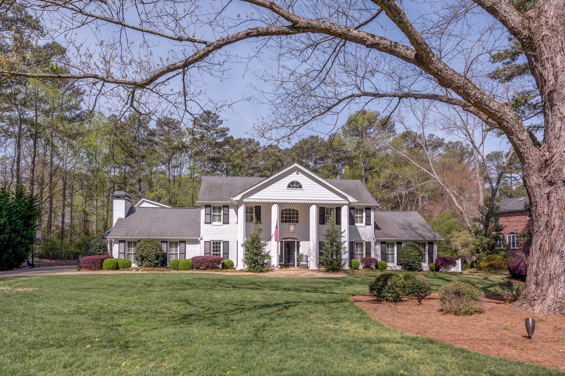 Nhà ở một gia đình vì Bán tại Stunning Colonial Home In Sandy Springs 2979 Spalding Drive Atlanta, Georgia, 30350 Hoa Kỳ