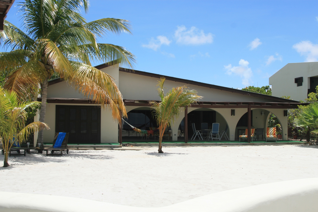 Additional photo for property listing at Villa Elkadia Belnem,  Bonaire