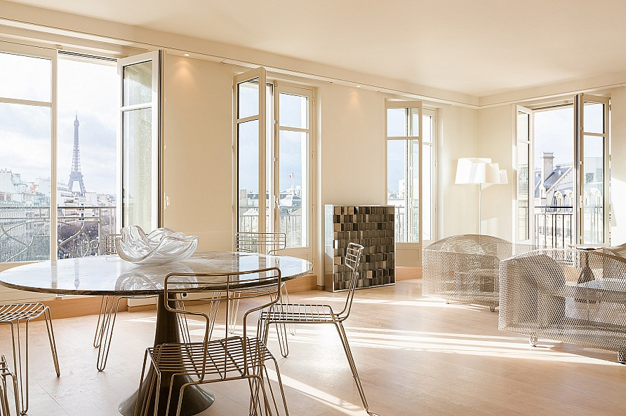 Property For Sale at 75008 - Apartment for sale near Faubourg Saint-Honoré