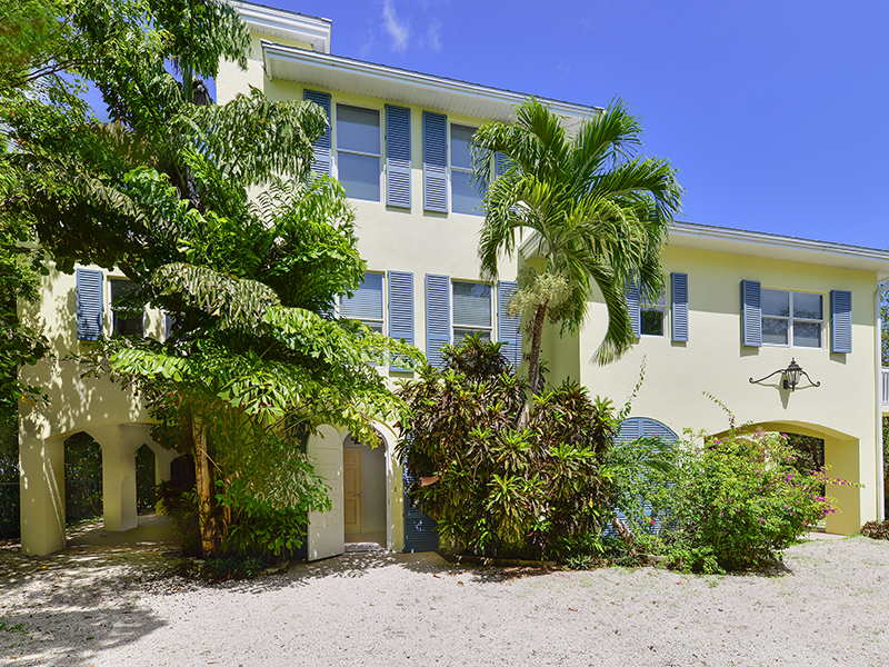 Additional photo for property listing at Ultimate Privacy in Oceanfront Living 24 Ocean Avenue Plantation Key, Florida 33070 États-Unis