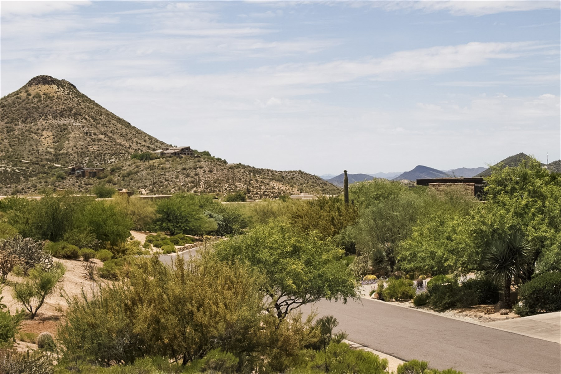 Terreno por un Venta en An elevated homesite in The Village of Mountain Skyline with excellent views. 10085 E PALO BREA DR 87 Scottsdale, Arizona, 85262 Estados Unidos