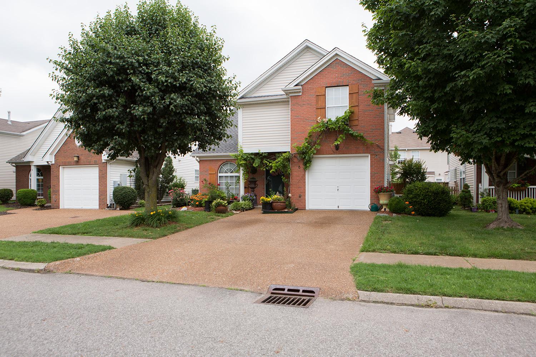 Vivienda unifamiliar por un Venta en Move In Ready Home In Franklin 8 Prescott Place Franklin, Tennessee 37069 Estados Unidos