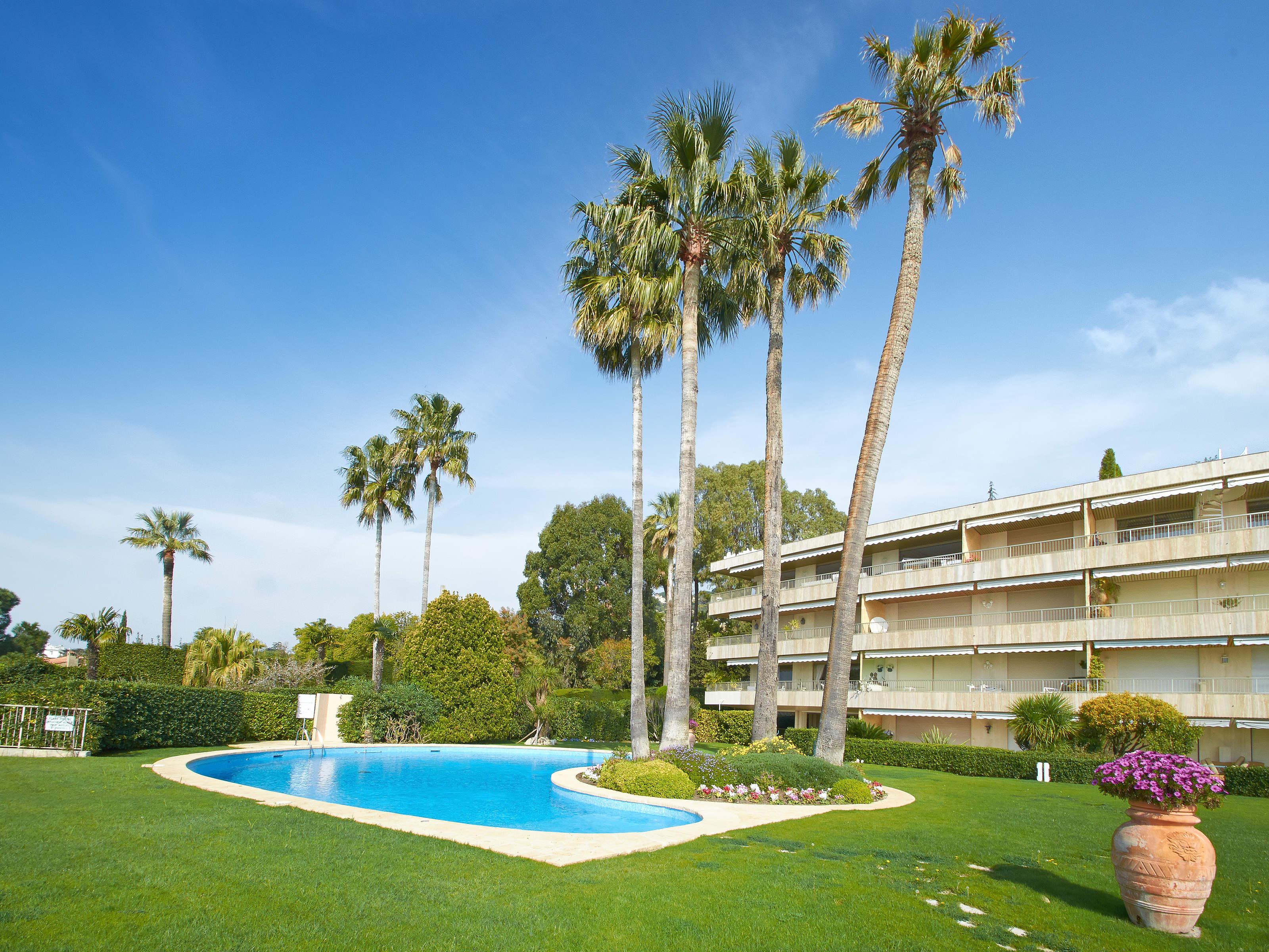 独户住宅 为 销售 在 Luxurious 4 rooms apartment with sea view in Cannes Californie Cannes, 普罗旺斯阿尔卑斯蓝色海岸 06400 法国