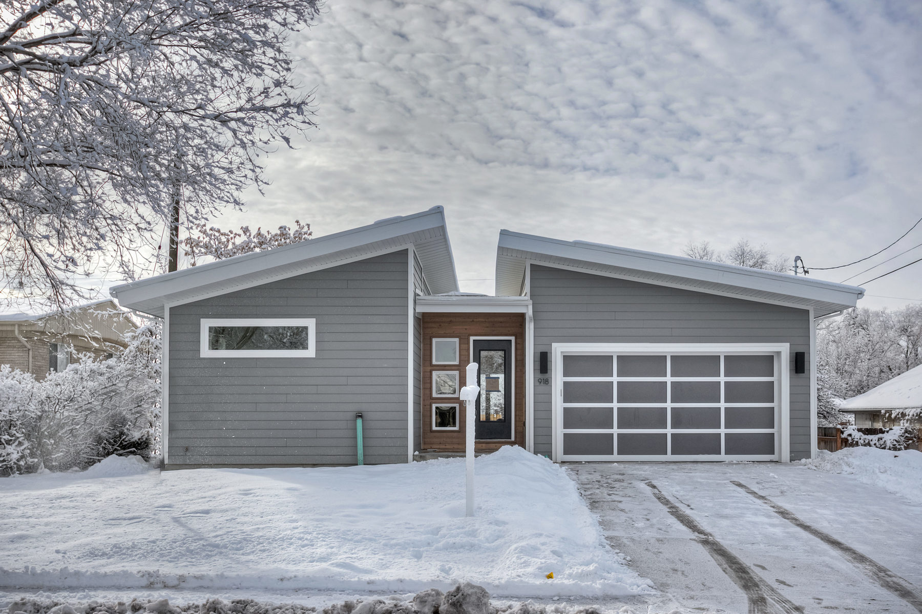 Nhà ở một gia đình vì Bán tại Modern Meets Mid Century 918 Charlton Circle Salt Lake City, Utah 84106 Hoa Kỳ