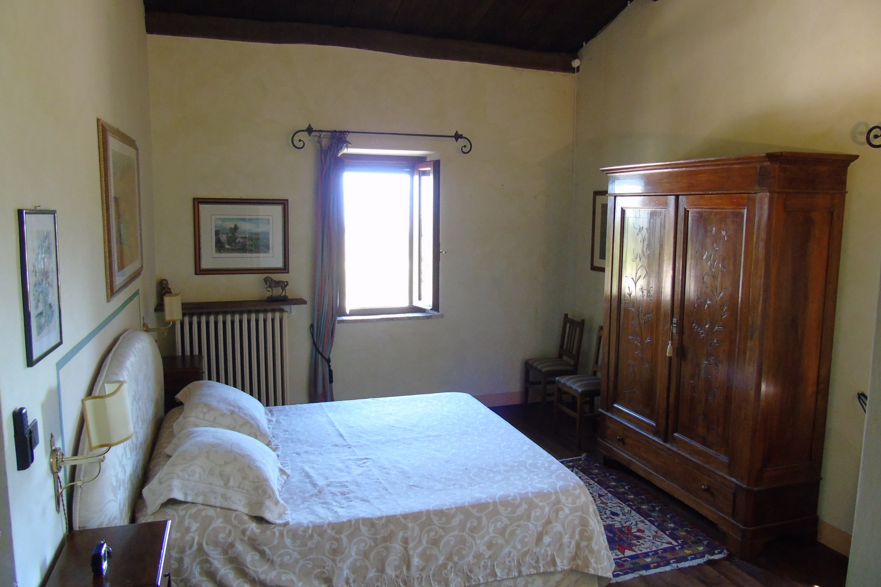 Additional photo for property listing at Lovely farmhouse with panaromic views of Assisi Via dei Colli Bettona Perugia, Perugia 06084 Italie