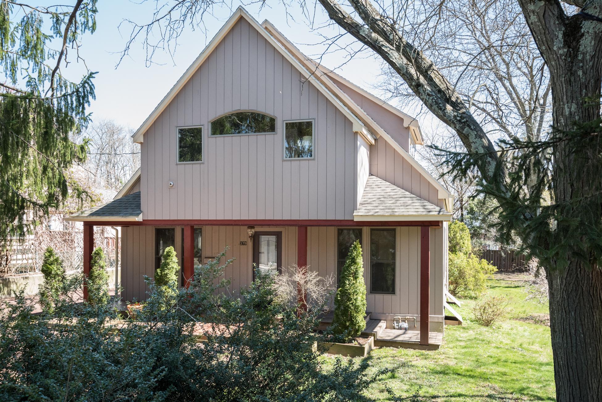 Maison unifamiliale pour l Vente à Color and Light in this Princeton Contemporary 379 Ewing Street Princeton, New Jersey, 08540 États-Unis