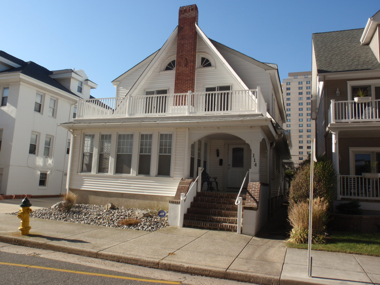 Single Family Home for Sale at 114 S Vassar Square Ventnor, New Jersey 08406 United States