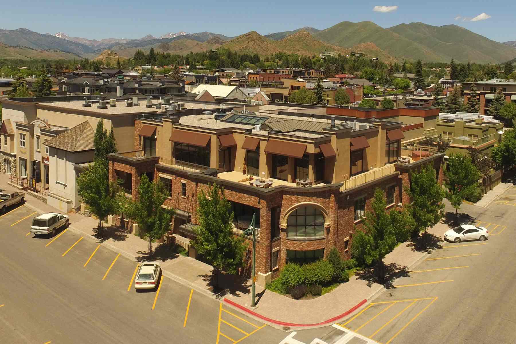 共管式独立产权公寓 为 销售 在 First and First Condo 100 N 1st Ave, Unit C 凯彻姆, 爱达荷州 83340 美国