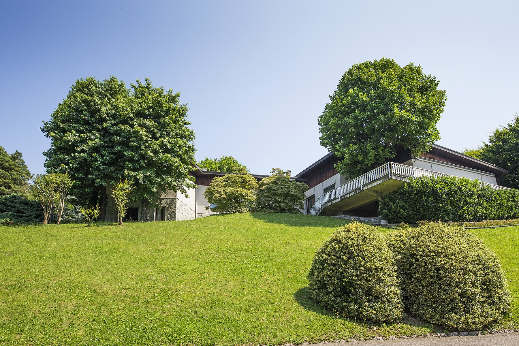 Single Family Home for Sale at Delightful modern villa with lake views Via Crotto Urago Other Como, Como 22030 Italy